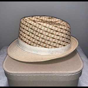 Accessories - Straw fedora in cream and brown